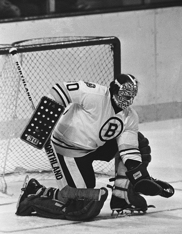 1978  -  Gerry Cheever's 16-game unbeaten streak is snapped at 12-0-4 with a 6-1 loss at the Montreal Canadiens.
